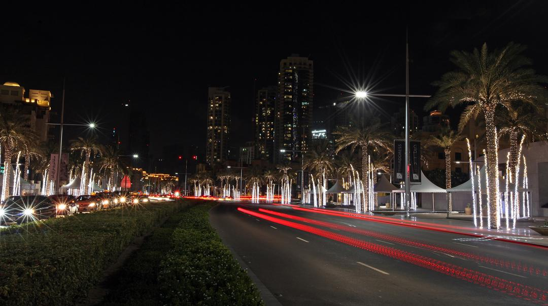 Emaar Boulevard Downtown Dubai festive lighting 2 & Emaar Boulevard Downtown Dubai festive lighting 2 - MrPingLife.com