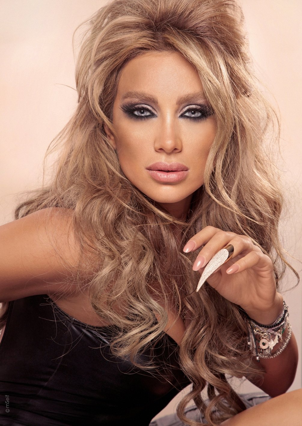 how tall is maya diab